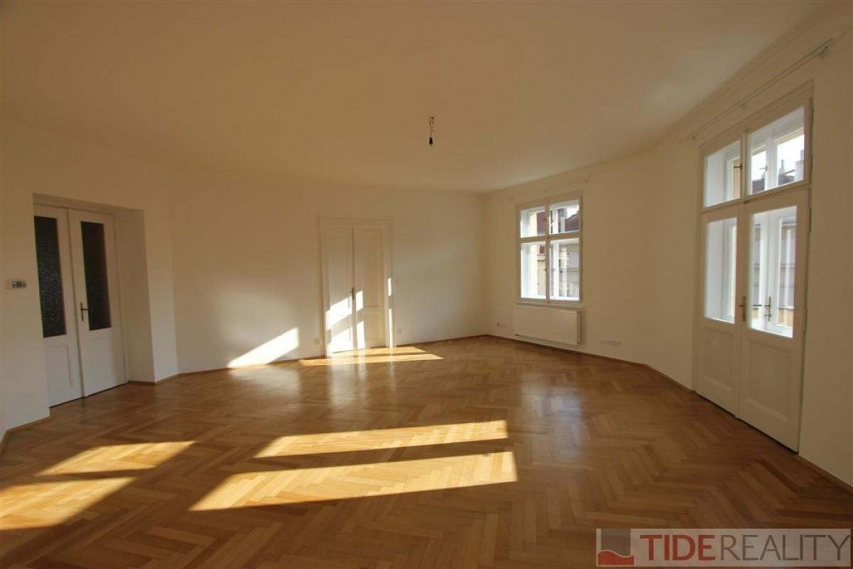 Pronájem prostorného bytu na Vinohradech, Radhošťská