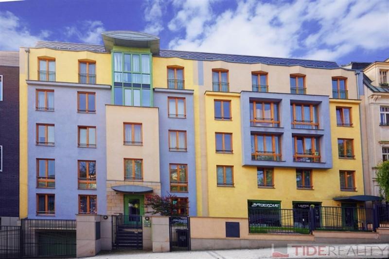 Prostorný byt v novostavbě, Praha 5, Švédská ul.