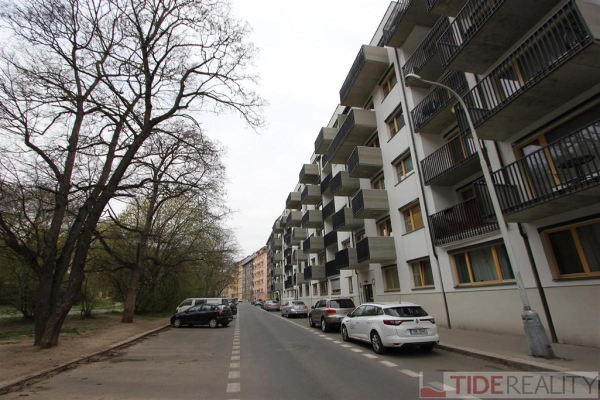 Pronájem zařízeného bytu 4+kk v novostavbě, Praha 5, Pod Kavalírkou