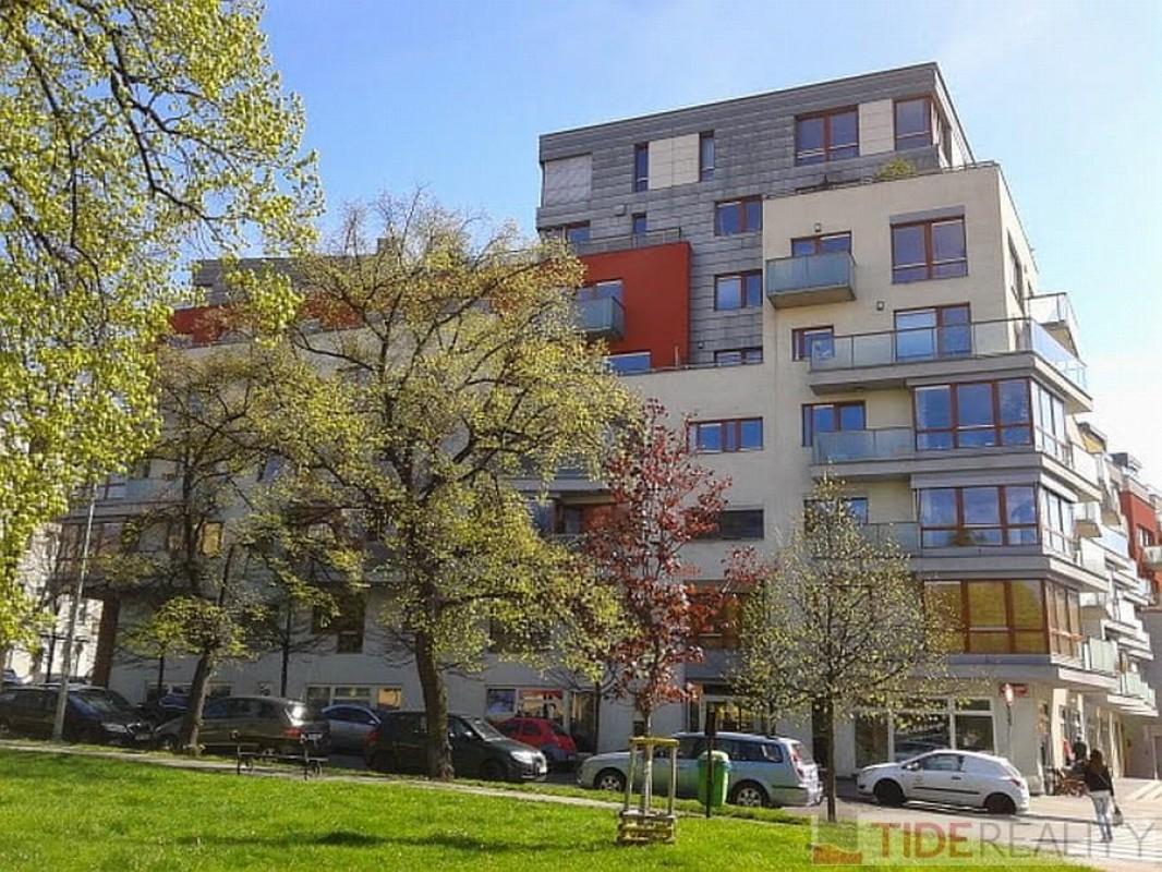 Pronájem zařízeného bytu 2+kk Praha 4 Podolí nedaleko nábřeží a Vyšehradu