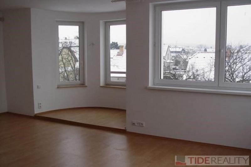 Pronájem prostorné vily, Vojtova, Praha 4 - Modřany