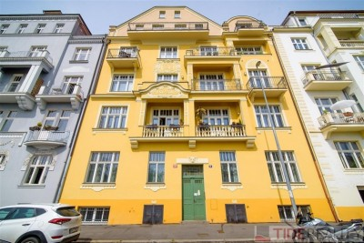 Rent of top quality apartment with roof terrace, U Havlíčkových sadů st., Prague