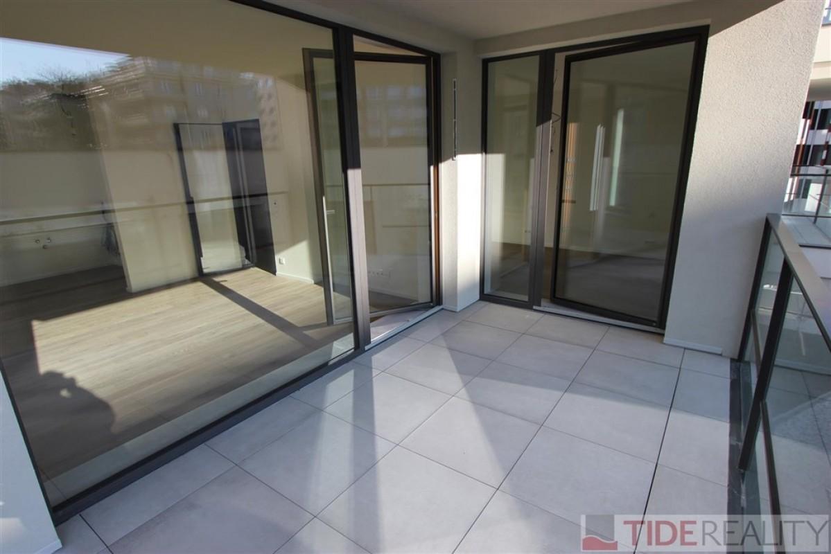 Pronájem nového bytu s terasou a garáží v rezidenci 4U Living, Praha 4, ul. Pod Děkankou