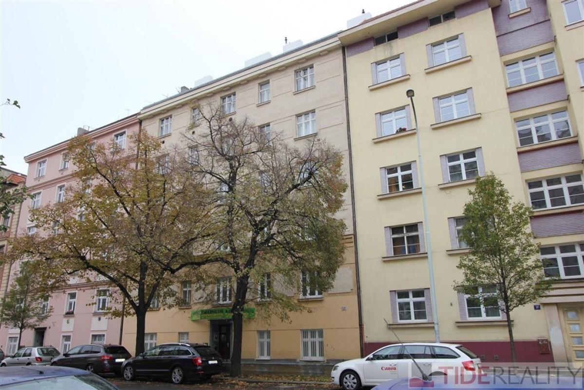 Pronájem útulného bytu 2+1, Praha 7, Holešovice, U Uranie