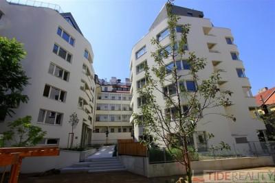 Pronájem krásného bytu 3+kk  v centru, Praha 1, Krakovská ul.