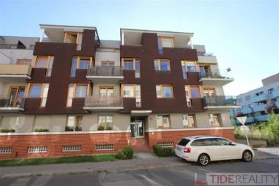 Rent of furnished apartment 2+kk in new building, Praha 3, V zahrádkách