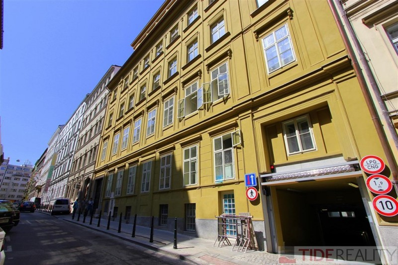 Prodej reprezentativního nebytového prostoru 132,5m2, Praha 1, Krakovská 13