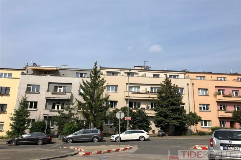 Pronájem zrekonstruovaného bytu 1+1, 45 m2 Praha 6, Bubeneč, Ve Struhách