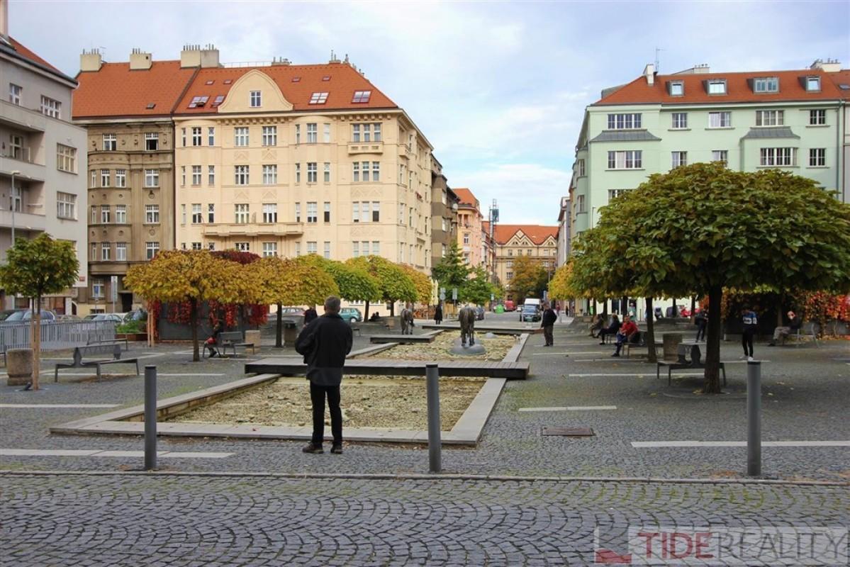Pronájem plně zařízeného bytu 3+kk, Dejvice, Wuchterlova ul., Praha 6