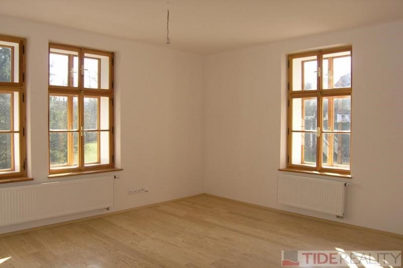 Pronájem bytu ve vile na Hradčanech, K Brusce, Praha 1