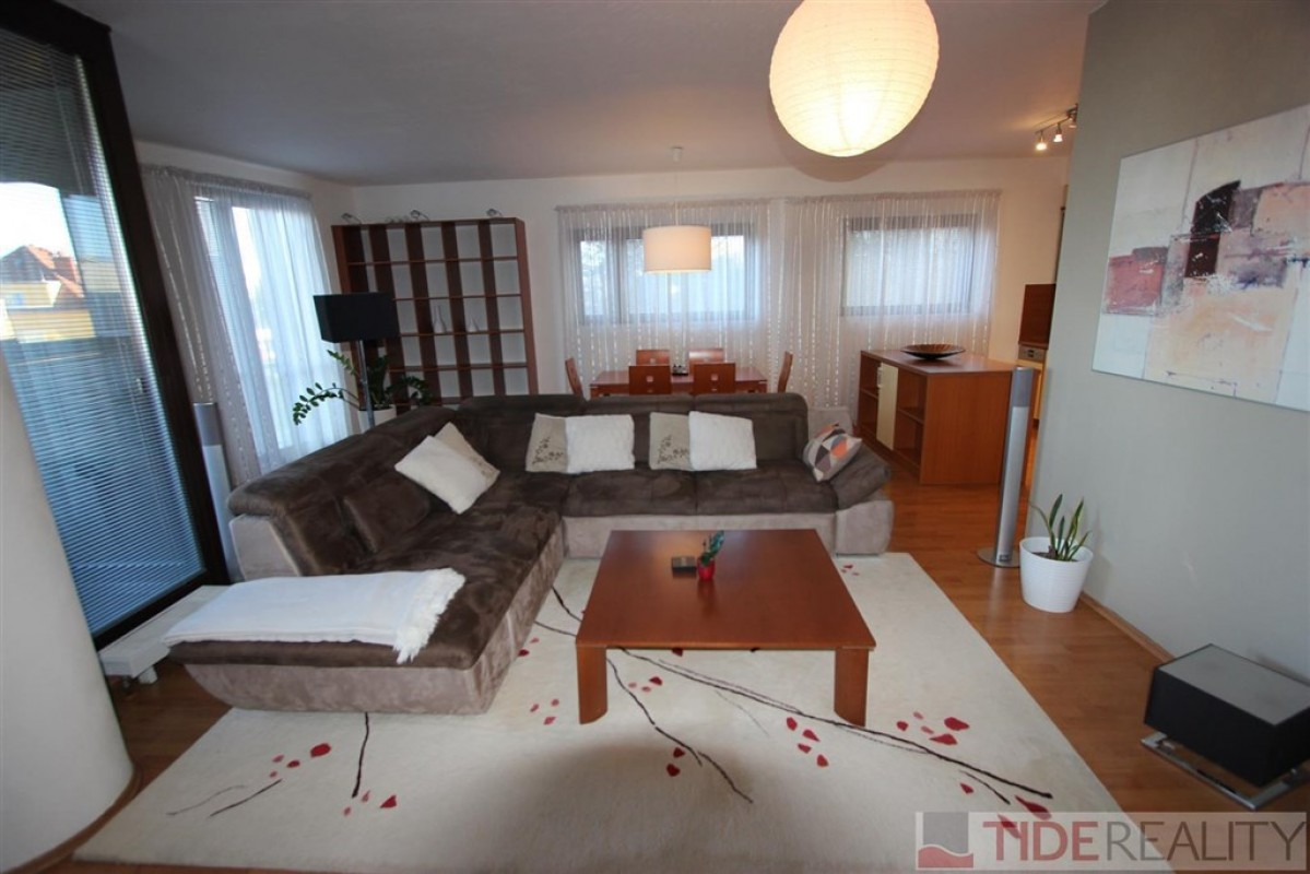Rent of spacious, luxury apartment 2+kk in new building, Praha 4, V Rovinách