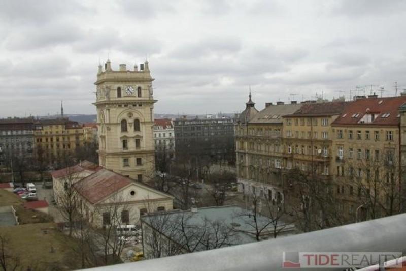 Pronájem mezonetového bytu s prostornou terasou, Nitranská, Vinohrady, Praha 10