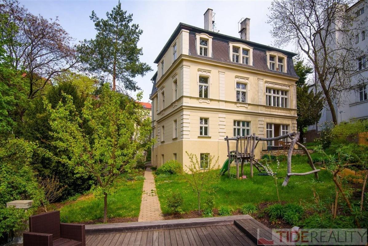 Pronájem luxusního  bytu 4+1, 145 m2, v krásné prvorepublikové vile Na Kleovce, Vinohrady, Praha 2