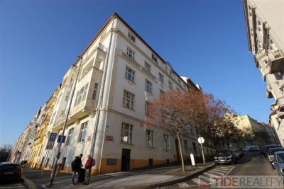 Pronájem velkého, zařízeného bytu na Vinohradech, Praha 2, Rybalkova ul.