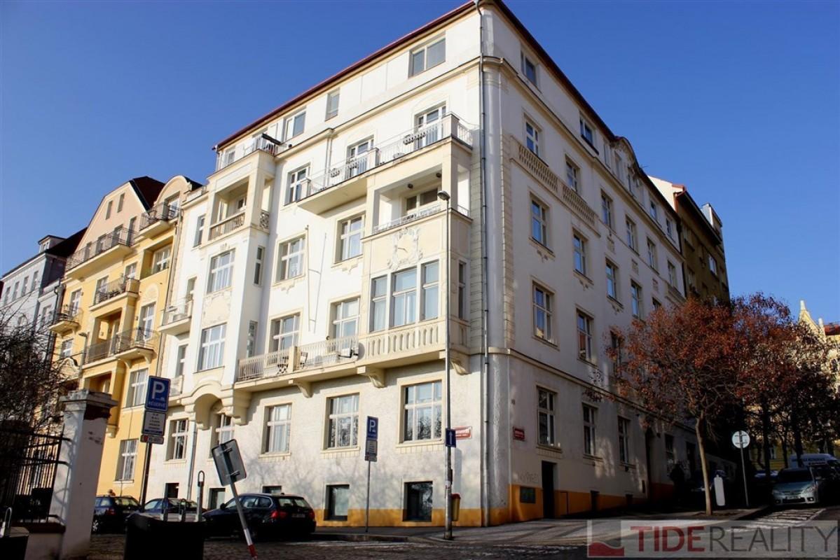 Prodej krásného vzdušného bytu 2+1, 70m2, Praha 2 Vinohrady, Rybalkova ul.