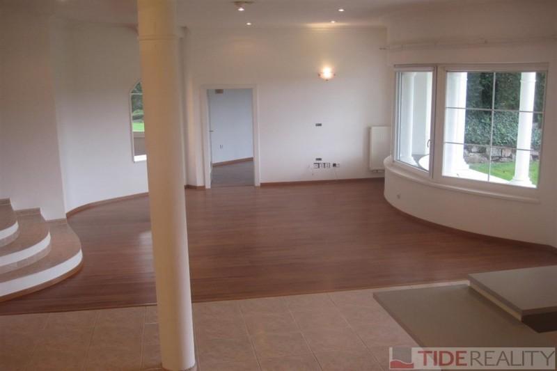Mimořádný byt 260 m2 ve vile s bazénem, Praha 4, Braník, Jasná I