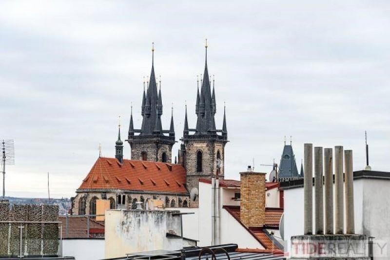 Byt 3+1 v posledním patře s jedinečnými výhledy, Praha 1, Dlouhá