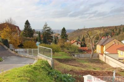 Prodej pozemku 487 m2 se stavebním povolením, Trója