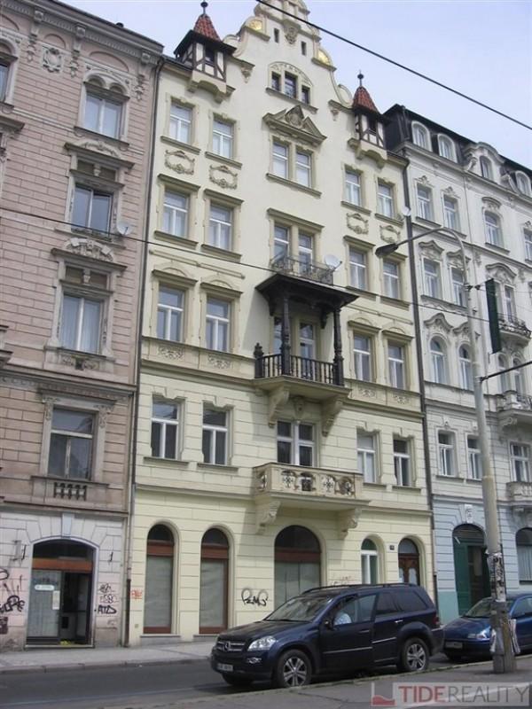 Pronájem nezařízeného bytu 4+kk, Na Moráni, Praha 2