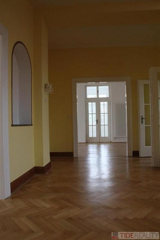 Impozantní stylová vila v prestižní lokalitě Prahy 6 – Hanspaulce