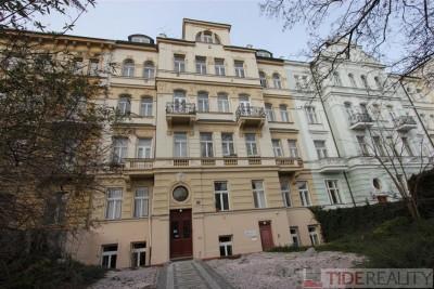 Pronájem prostorného bytu 3+1, Vinohrady, Praha 10, Dykova ul.