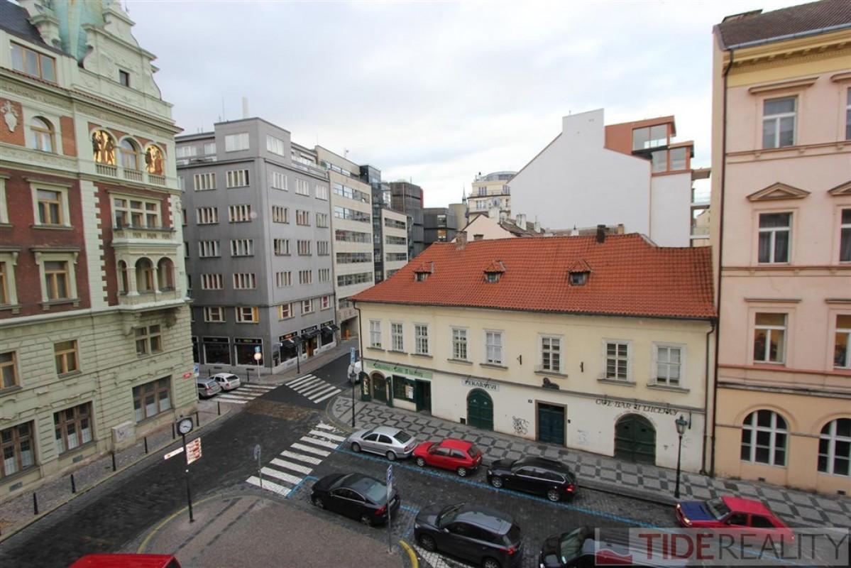 Velmi pěkný, nově zrekonstruovaný byt 4+kk, Praha 1, Masná ul.