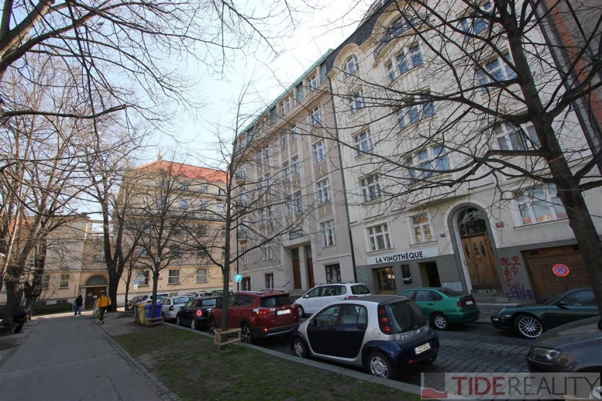 Pronájem útulného bytu v centru, Praha 2, Dřevná ul.