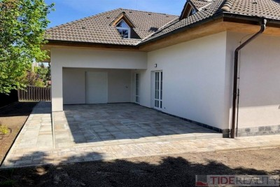 Nice villa after complete reconstruction, Newton st., Prague 10 - Petrovice