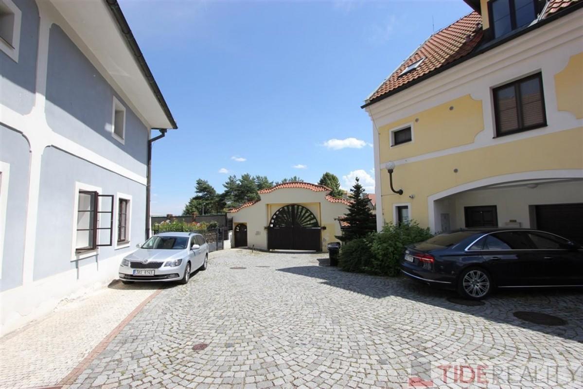 Zrekonstruovaný byt 2+kk v krásné lokalitě Praha 5, K brance