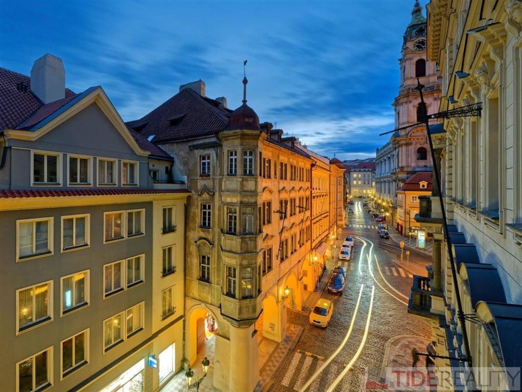 Pronájem mimořádného,  luxusního bytu na Malé Straně, Malostranské náměstí, Praha 1