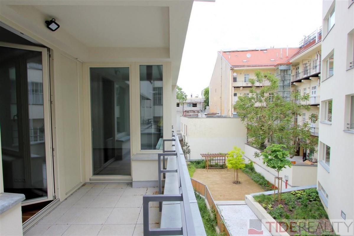 Pronájem nezařízeného bytu v novostavbě v centru, Praha 1, Krakovská ul.