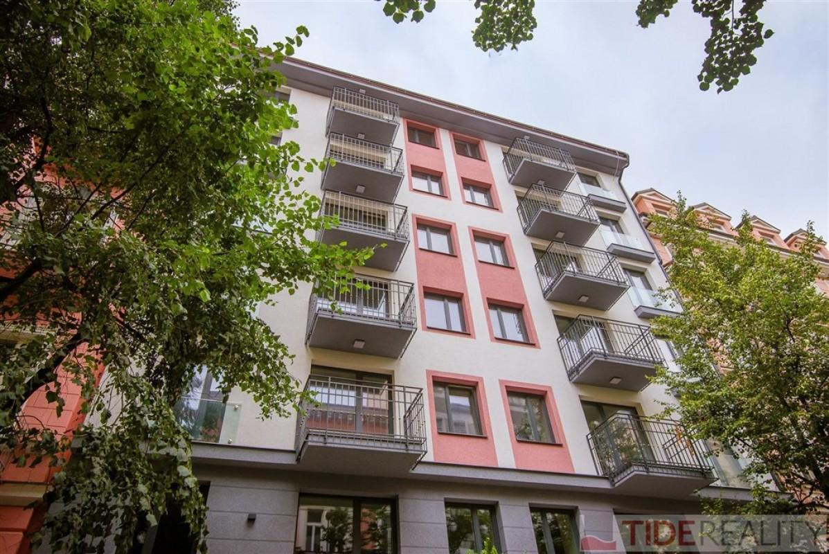 Pronájem luxusního, práve zrekonstruovaného na Vinohradech, Praha 2, Belgická ul.