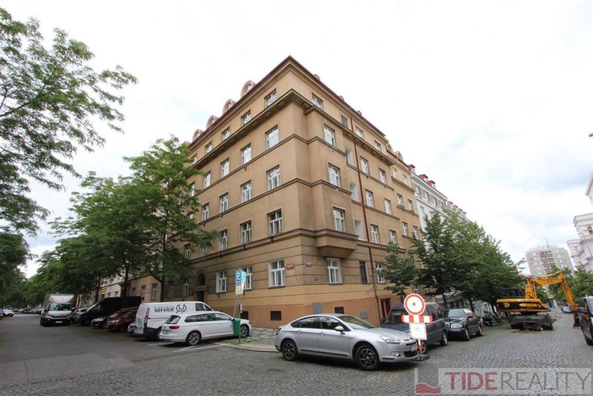 Pronájem perfektně zrekonstruovaného bytu na Vinohradech, Praha 3, Jagellonská ul.