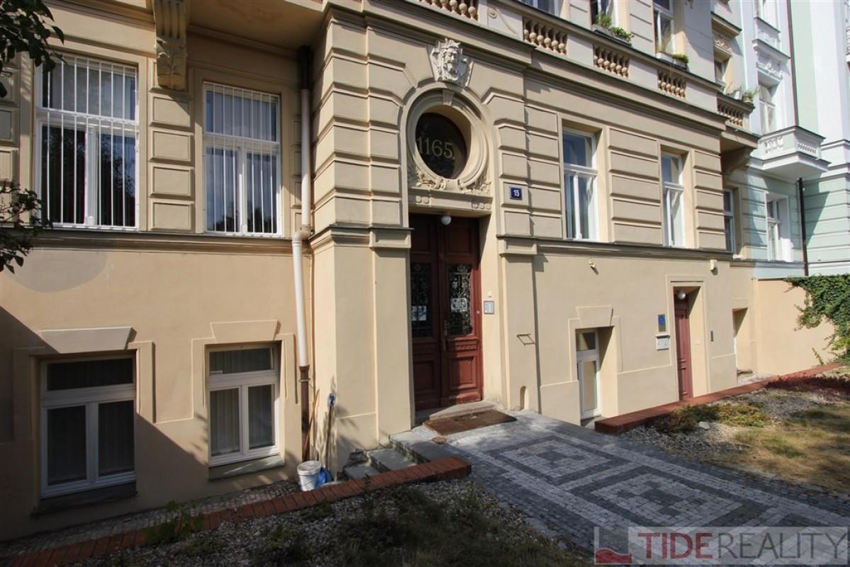 Nově rekonstruovaný byt 2+kk na Vinohradech - Dykova ul., Praha 2
