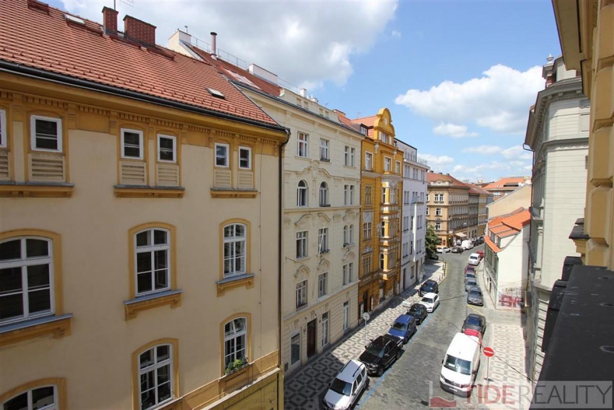 Prodej bytu 2+kk, 45m2, 4.NP, v historickém centru, Praha 1, Opatovická