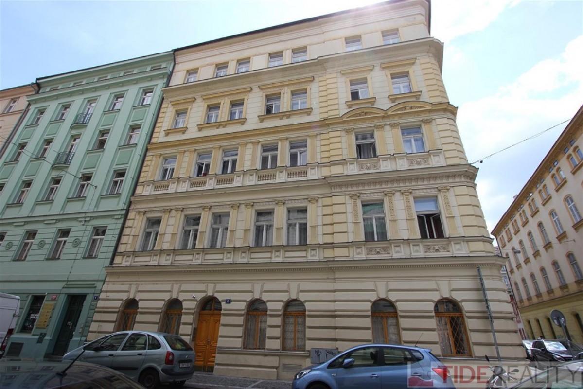 Byt 1+kk, 27m2 v historickém centru, Praha 1, Opatovická