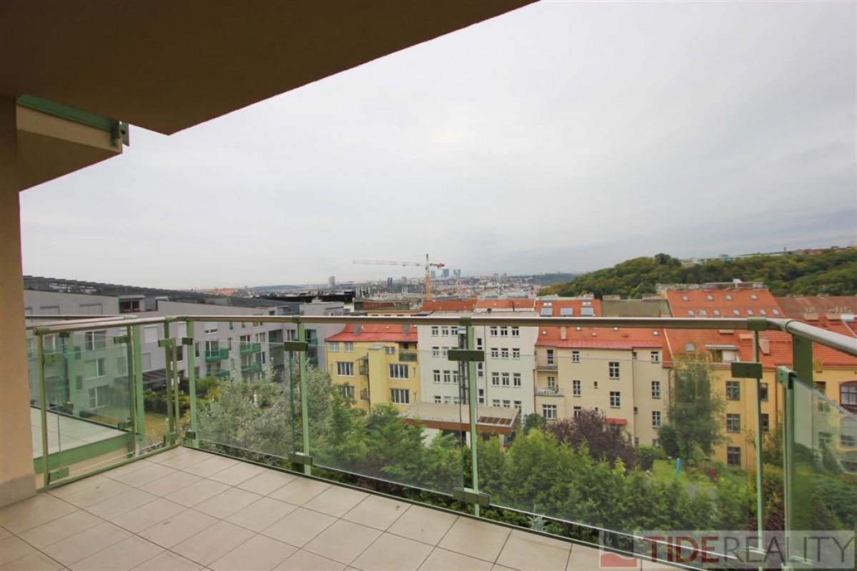 Pronájem vkusně zařízeného bytu s terasou v novostavbě, Švédská, Smíchov