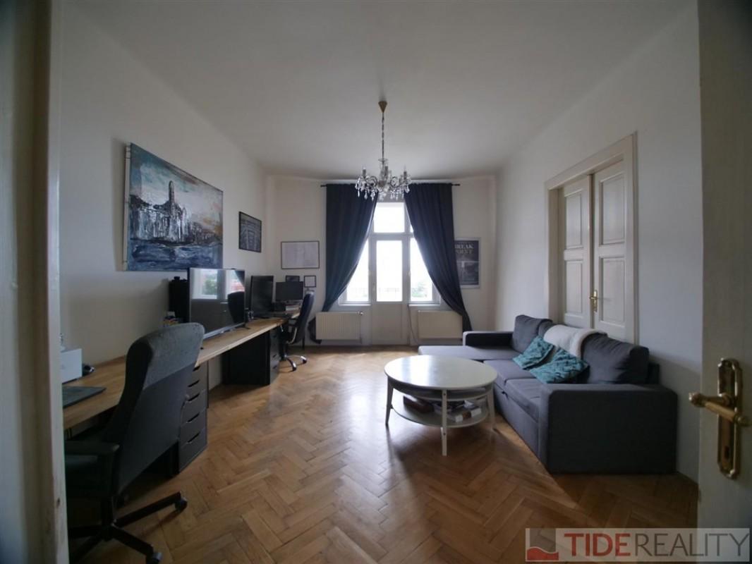 Pronájem slunného bytu na rozhraní Vinohrad a Vršovic, Žitomírská, Praha 10