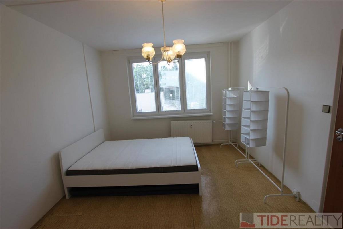 Pronájem nezařízeného  bytu 1+1, Praha 4, Braník, Nad Šálkovnou