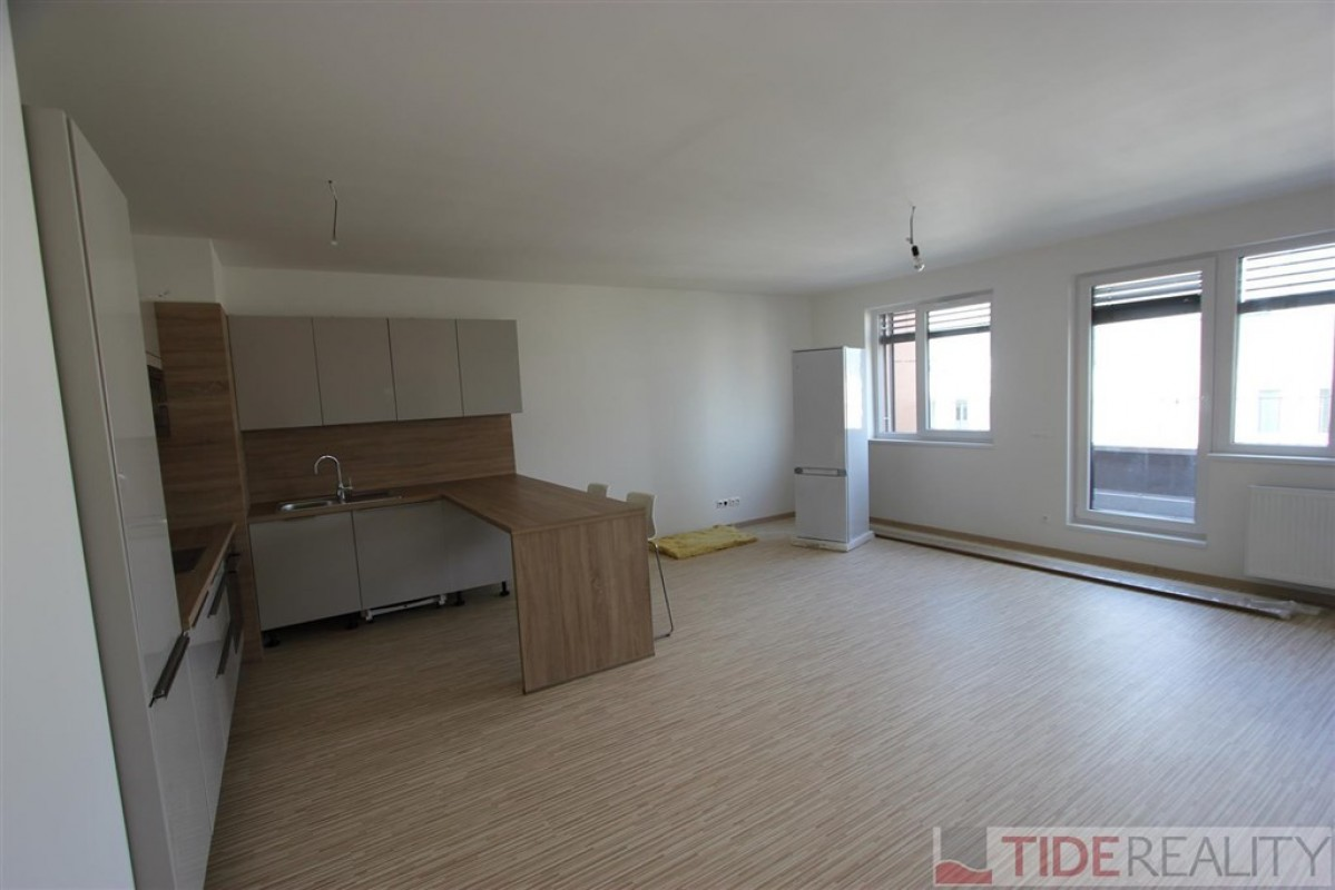 Pronájem nového, slunného bytu 3+kk, Praha 4, Babická ul.