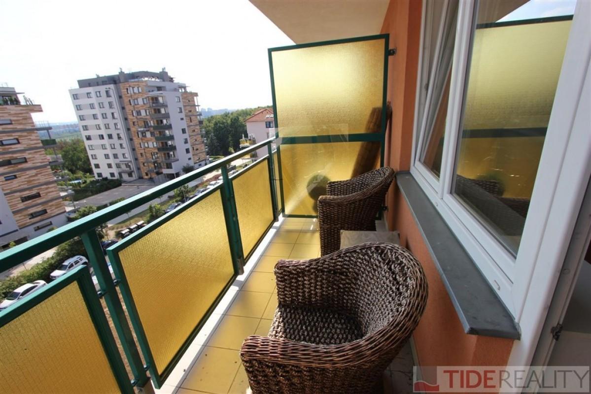 Pronájem hezkého, nezařízeného bytu Praha 10, Padovská ul.