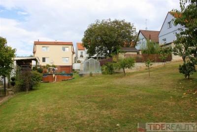 Rodinný dům s rozlehlou zahradou na pozemku 1089m2, Pod Vlkem, Praha 5, Stodůlky