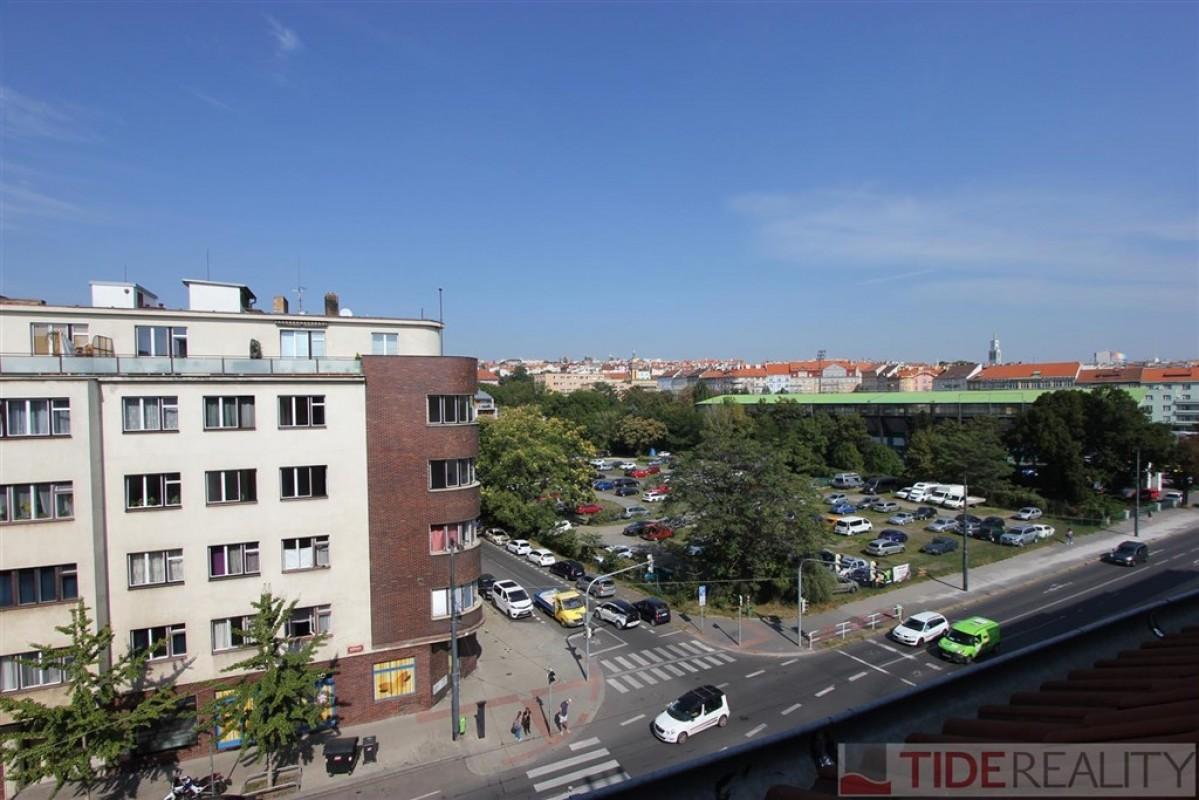 Pronájem mezonetového bytu s terasou, Praha 10, Vršovická ul.