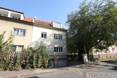 Pronájem mezonetového bytu 4+1 u přírodní rezervace Divoká Šárka, Praha 6, Evropská ul.