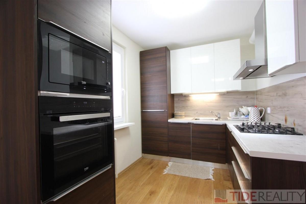REZERVACE. Prodej moderního bytu 3+kk s lodžií, DV, ul. Bohúňova, Praha 4, Chodov