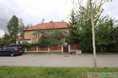 Pronájem velkého, nezařízeného bytu Praha - Běchovice, K železnici