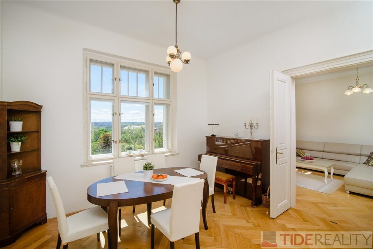 Two-bedroom Apartment, 115m2, U Havlíčkových sadů, Prague 2 Vinohrady
