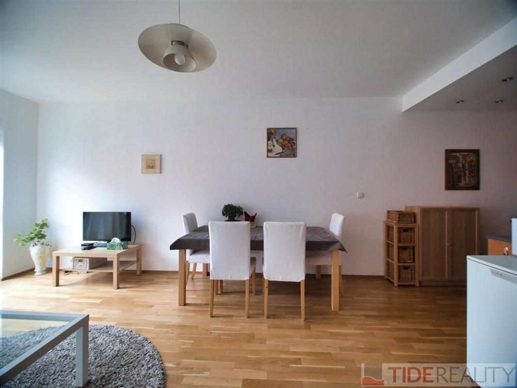 Pronájem zařízeného bytu v novostavbě v Podolí, Brabcova