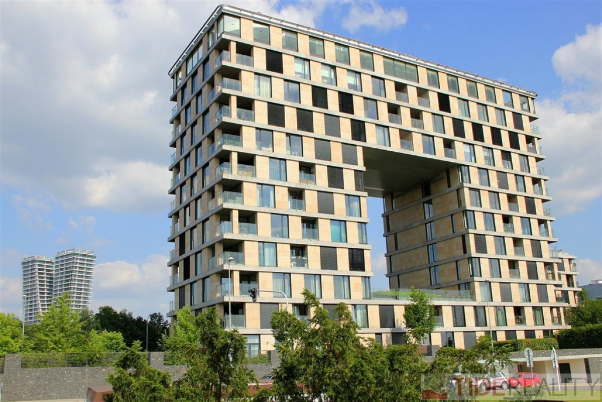 Reprezentativní byt 2+kk, lodžie, garáž, sklep, Rezidence Kavčí Hory, Praha 4