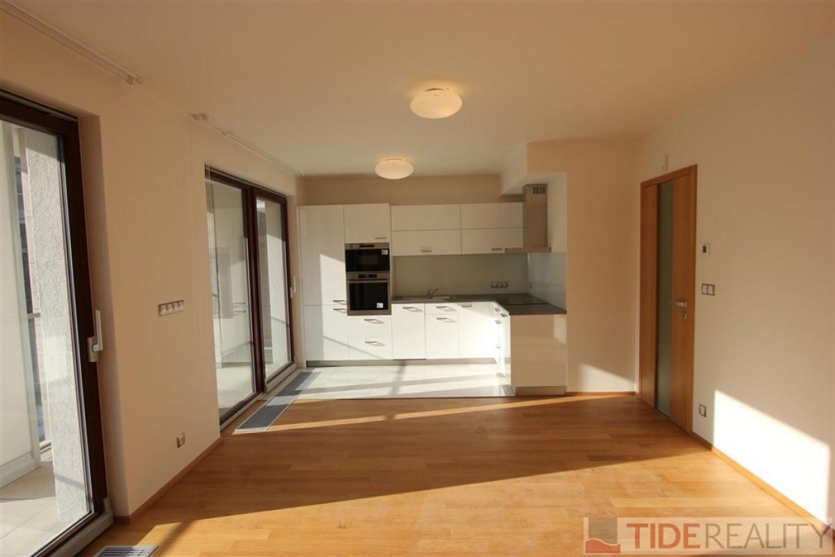 Pronájem prostorného bytu2+kk v novostavbě, Praha 5, Smíchov, U Nikolajky
